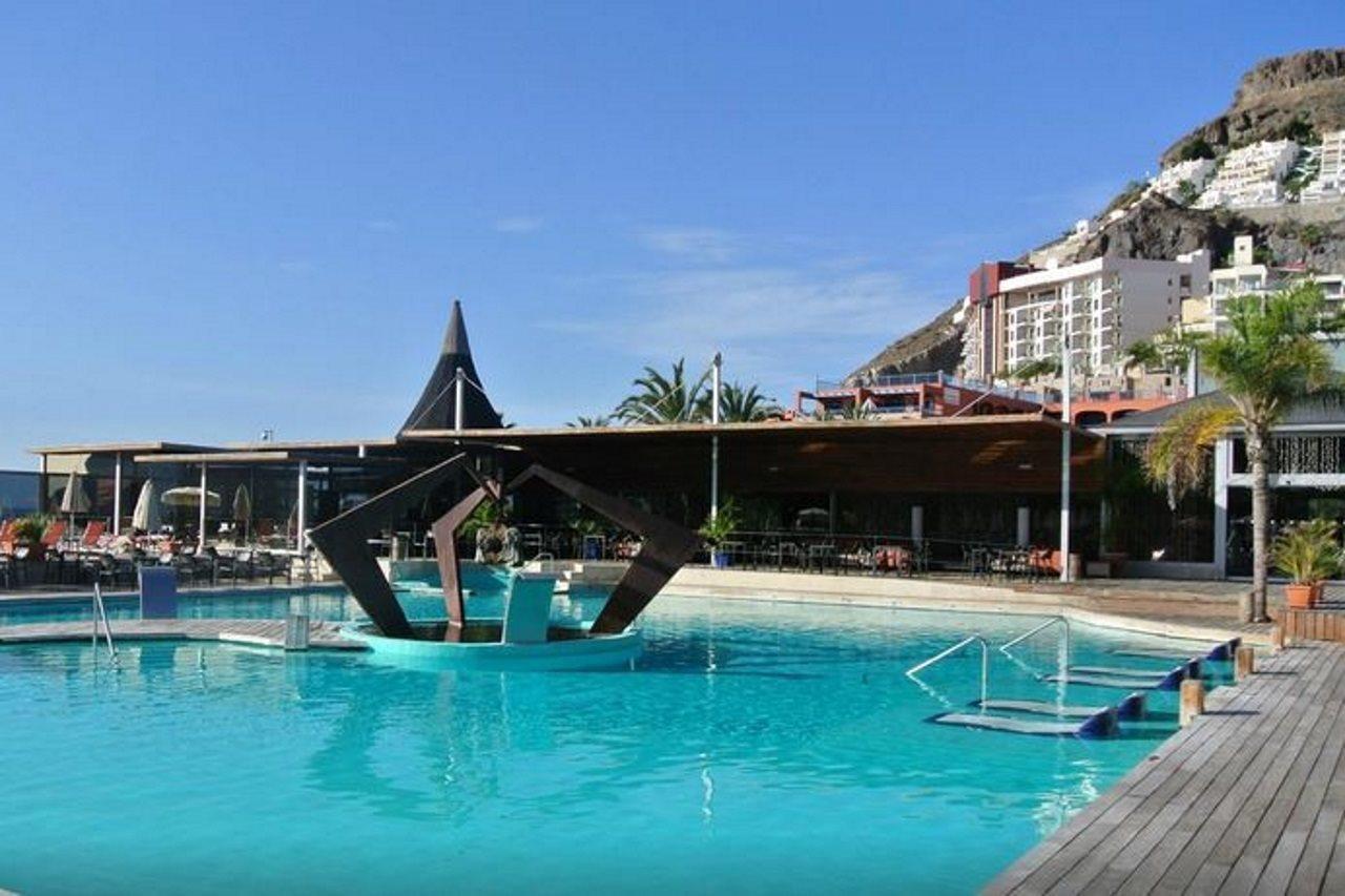 Sunprime Riviera Beach Suites and Spa