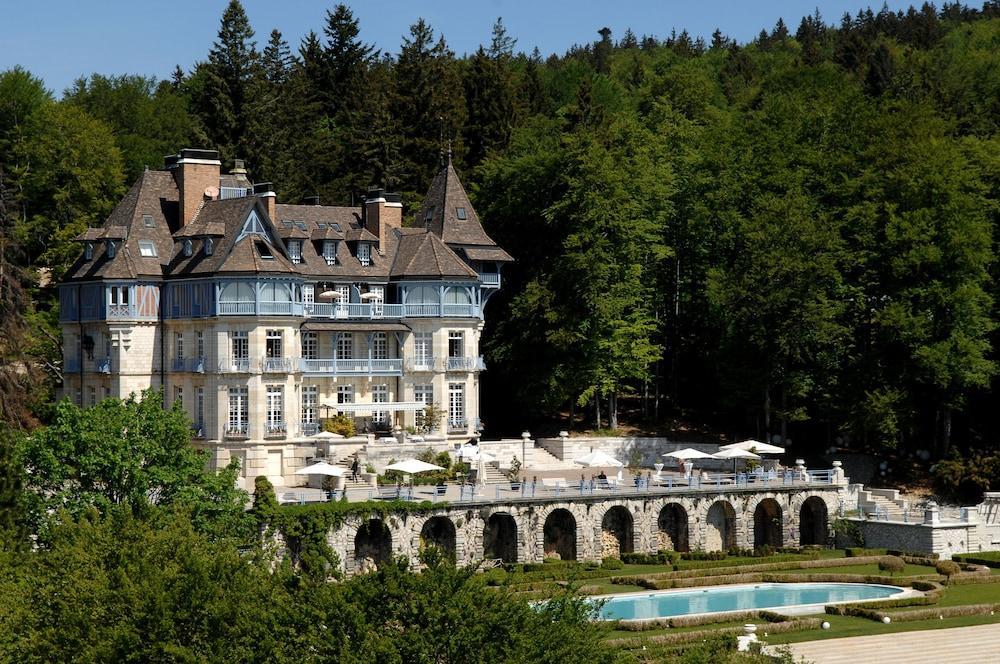 Relais & Châteaux Château des Avenieres