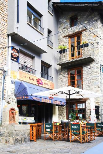 Barri Antic Hostel & Pub