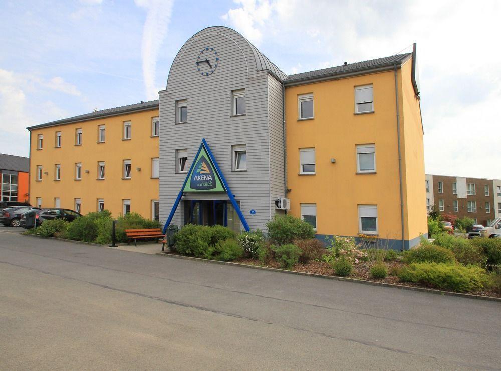 Akena Hotel
