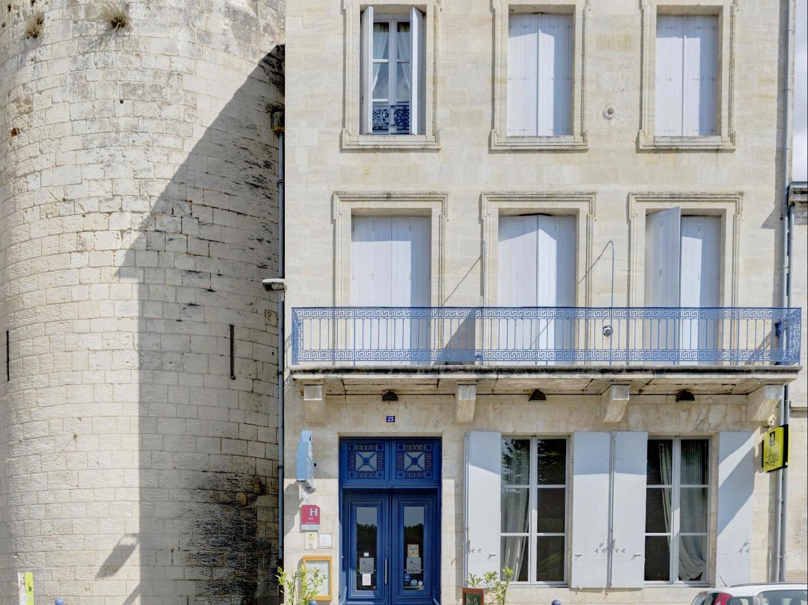 Logis Hôtel la Tour du Vieux Port