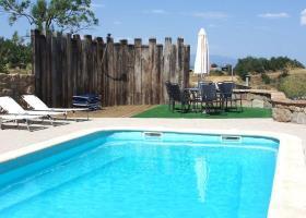 Villa Torra - 3 Apartments, Sleeps 15