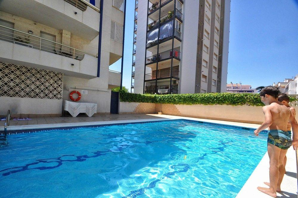 2BR Center & Swimming Pool