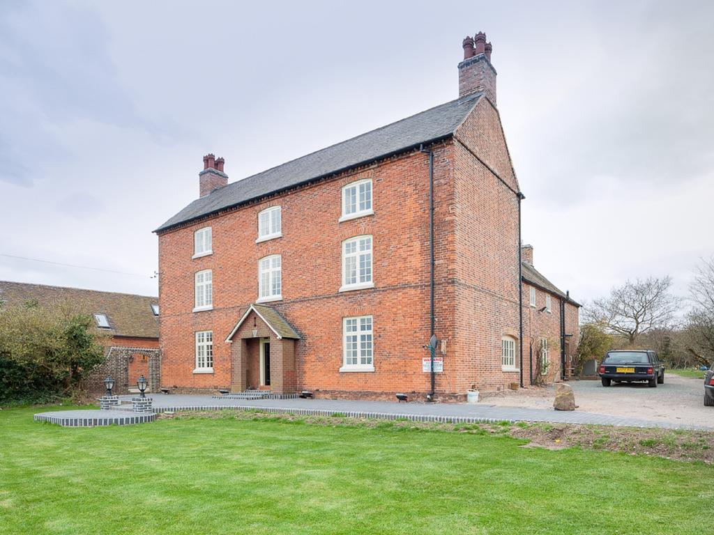 Blackgreaves Farmhouse