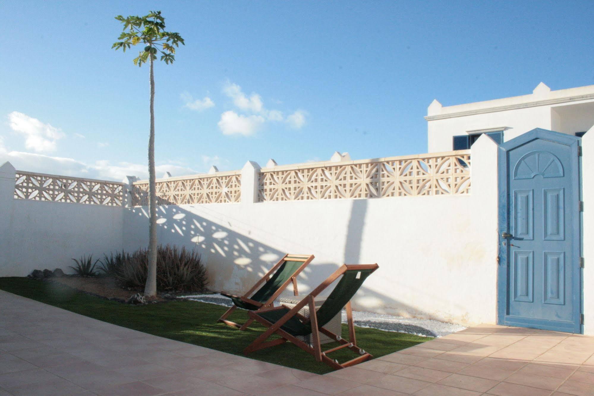 Fuerte Holiday Sunshine Garden Apartment