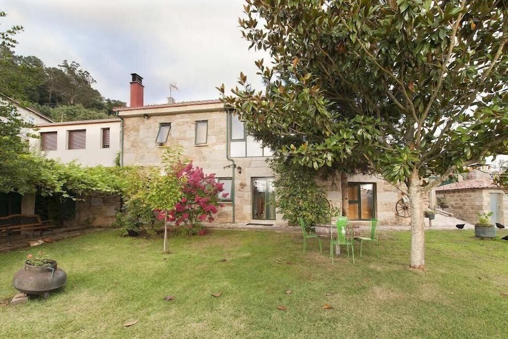Casas Rurales A Chairiña Y A Revolta
