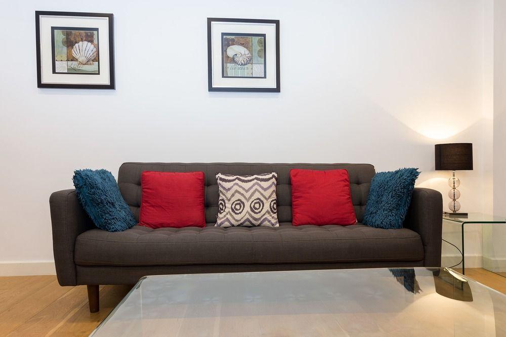 2 Bedroom Flat in Limehouse Sleeps 4 Guests