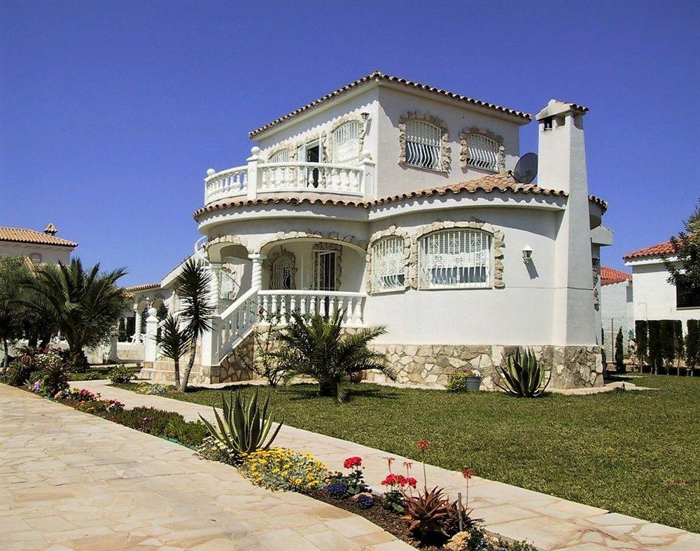 Villa With 3 Bedrooms In Ampolla, With Wonderful S
