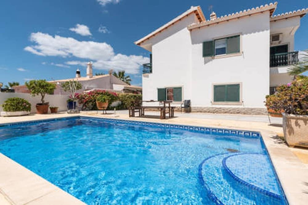 Studio in Albufeira, With Pool Access and Enclosed