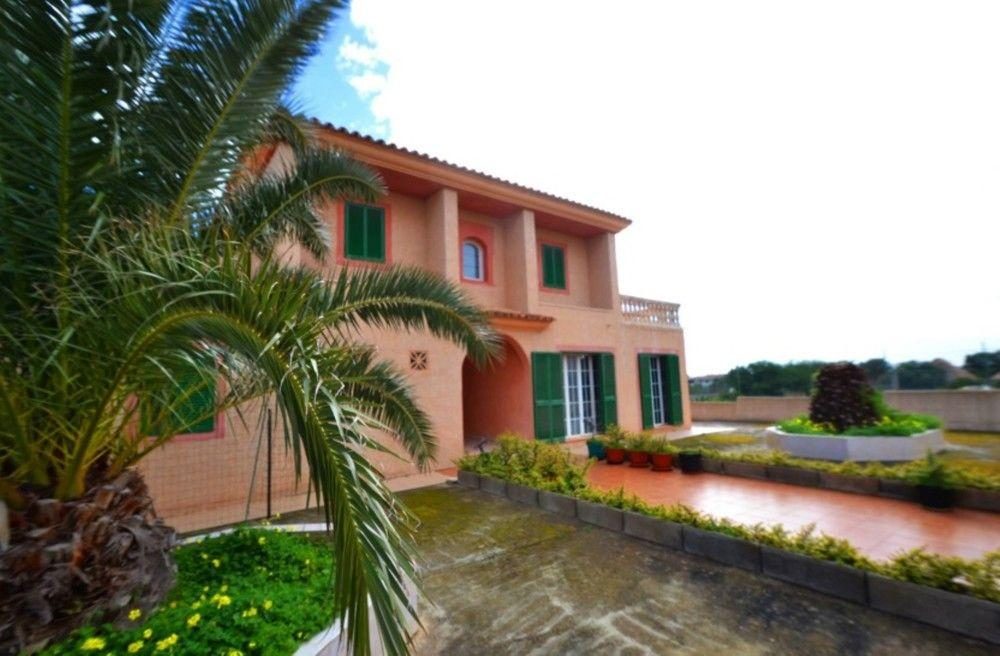 102936 - Villa in Cales de Mallorca
