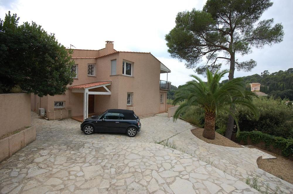 Villa With 3 Bedrooms in Le Pradet, With Private P