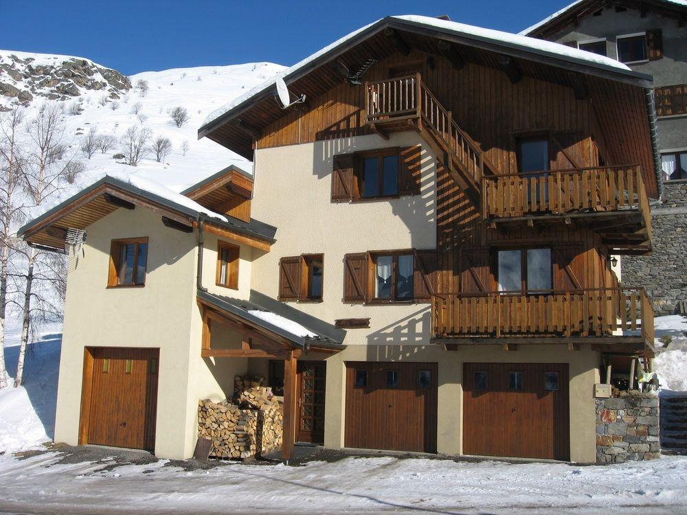 Chamois a Modern, 2-bedroom Apartment in the Alps