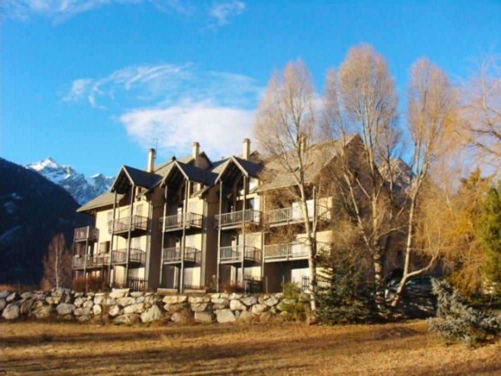 Apartment With 4 Bedrooms In Le Monêtier-Les-Bains
