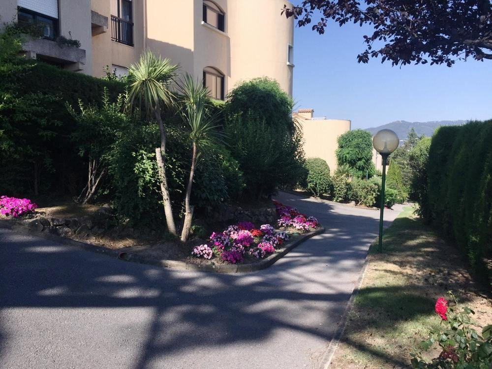 Studio in Cannes, With Pool Access, Furnished Terr