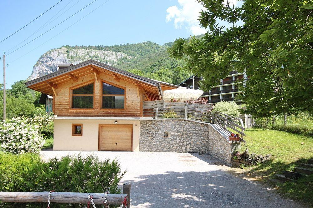 Chalet With 6 Bedrooms In Saint-Jean-D'aulps, With