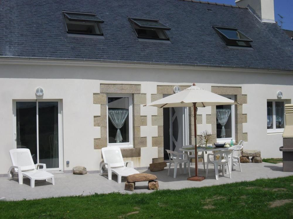 House With 3 Bedrooms in Paimpol, With Enclosed Ga