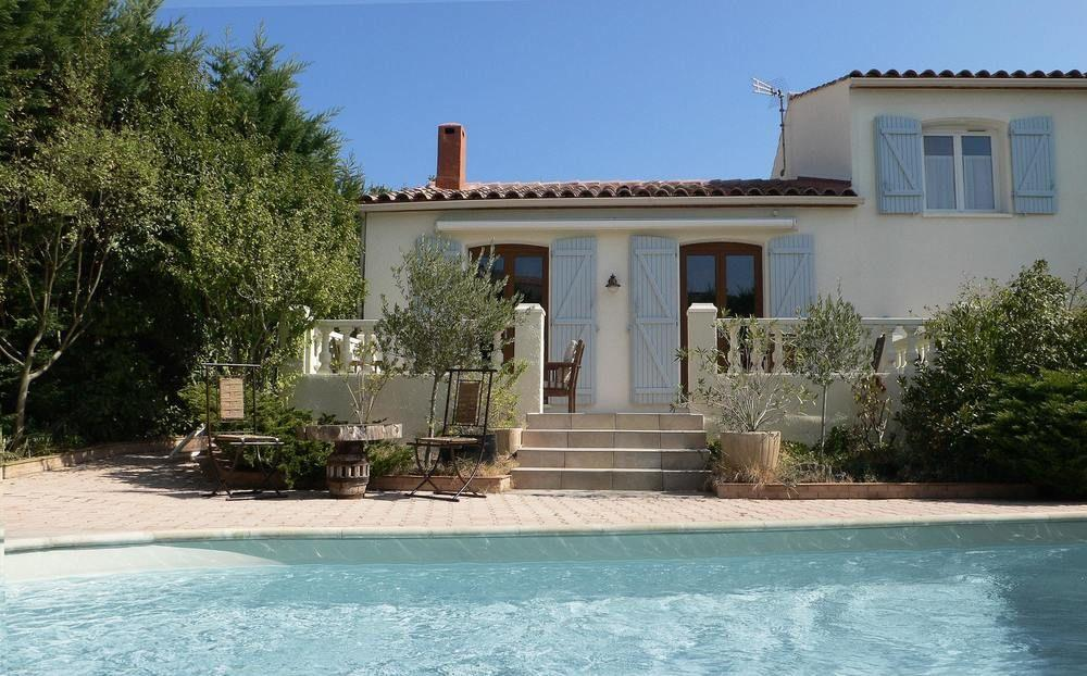 Villa With 3 Bedrooms in Saint-georges-d'orques, W