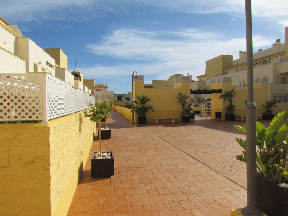 Espectacular Residencial con Piscina y Barbacoa
