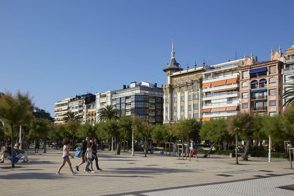 Playa de La Concha 10 Apartment by FeelFree Rental