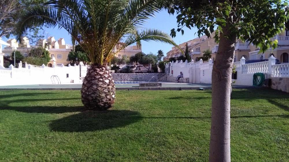 House With 4 Bedrooms in Santa Pola, With Pool Acc