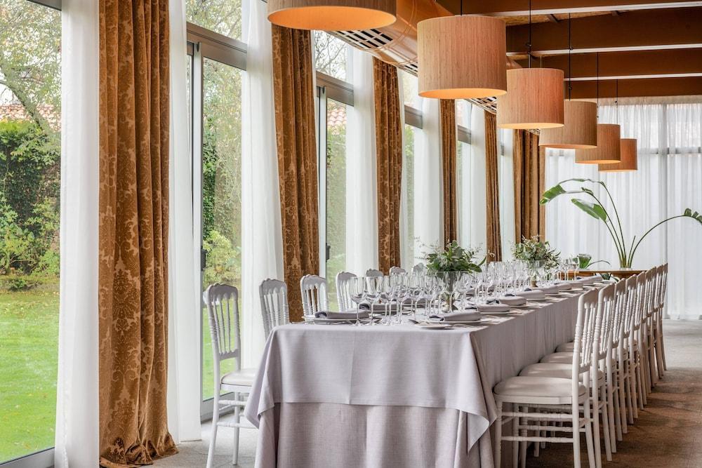 12. Ac Hotel Palacio Del Carmen Autograph Collection