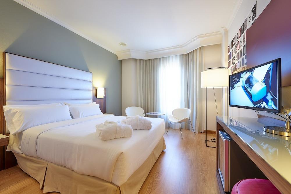 7. Tryp Vigo Los Galeones Hotel
