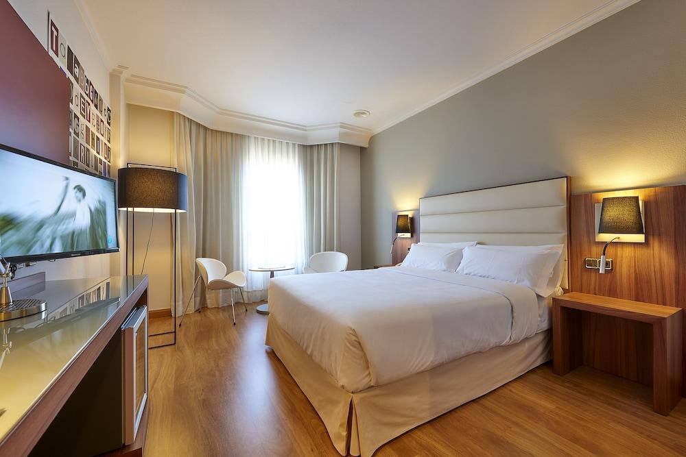 9. Tryp Vigo Los Galeones Hotel