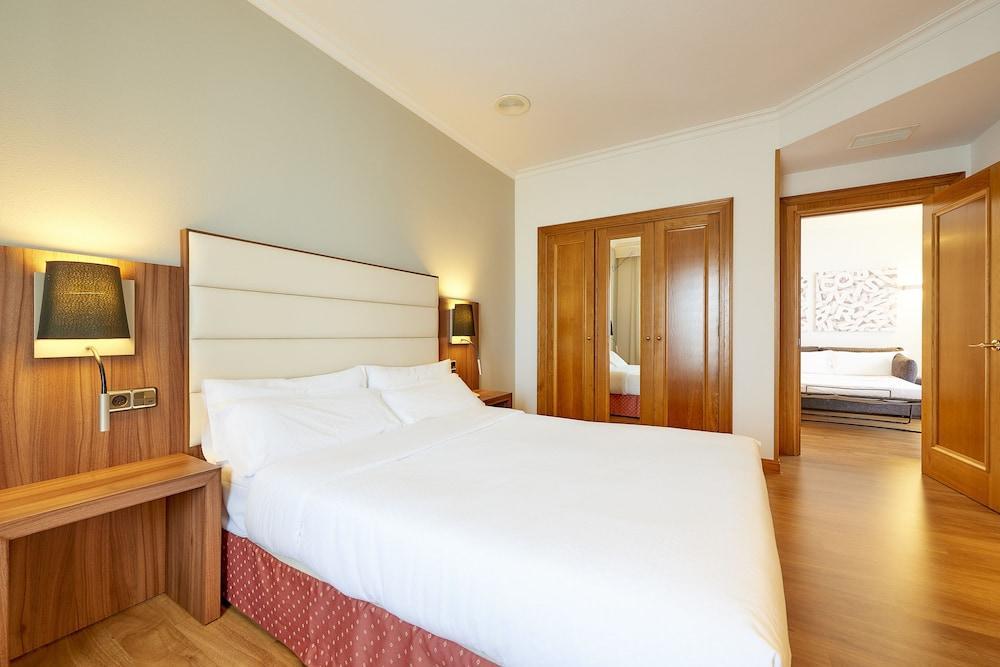 4. Tryp Vigo Los Galeones Hotel