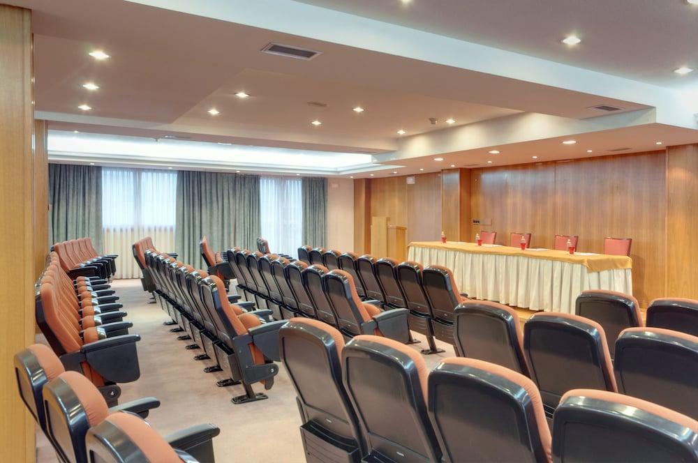 15. Tryp Vigo Los Galeones Hotel