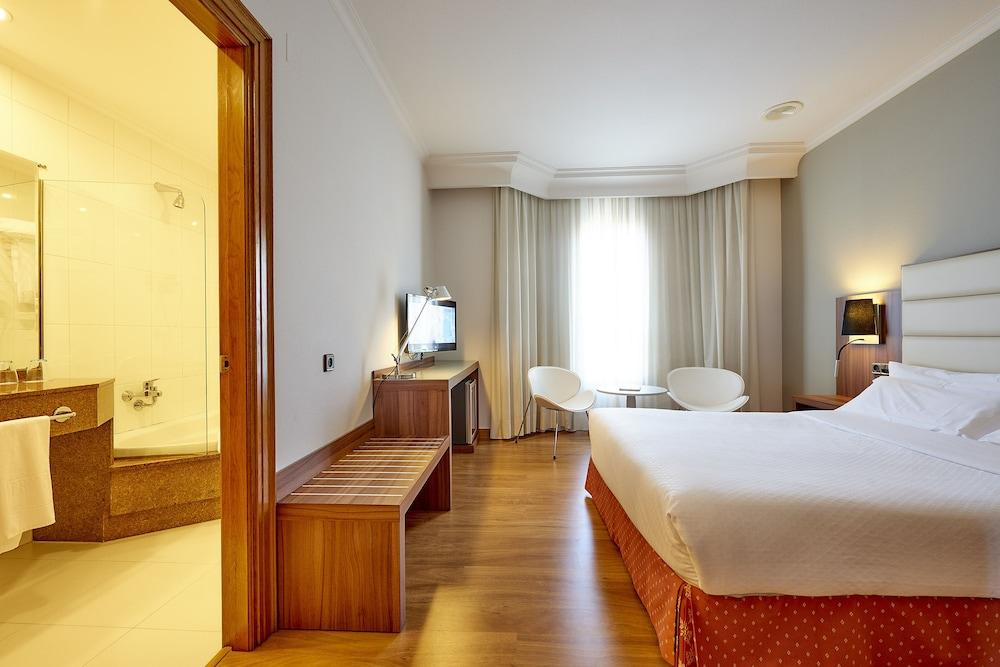 5. Tryp Vigo Los Galeones Hotel