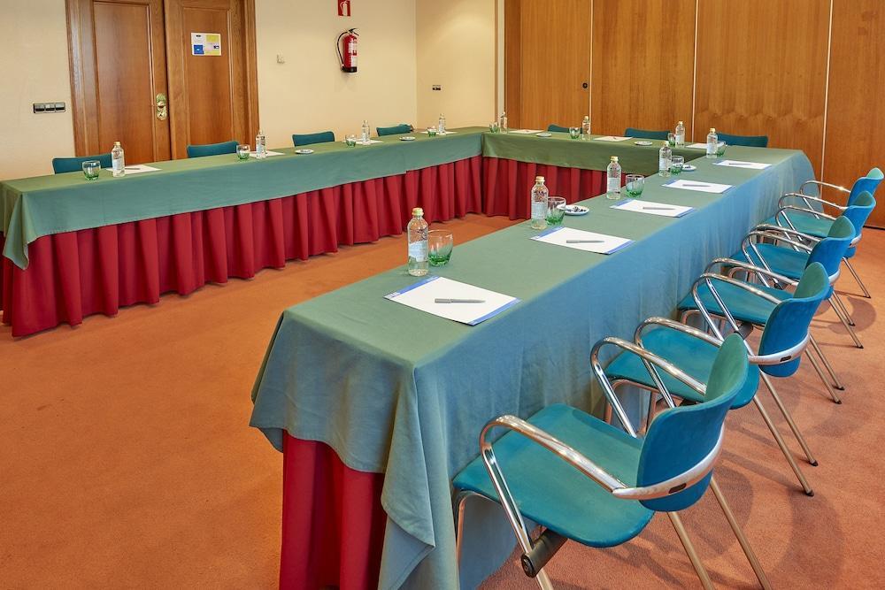 17. Tryp Vigo Los Galeones Hotel