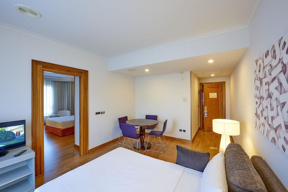 6. Tryp Vigo Los Galeones Hotel