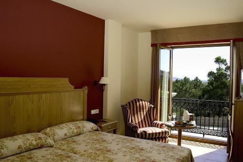 16. Hotel Abeiras