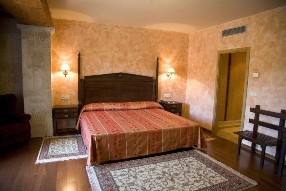 18. Hotel Abeiras