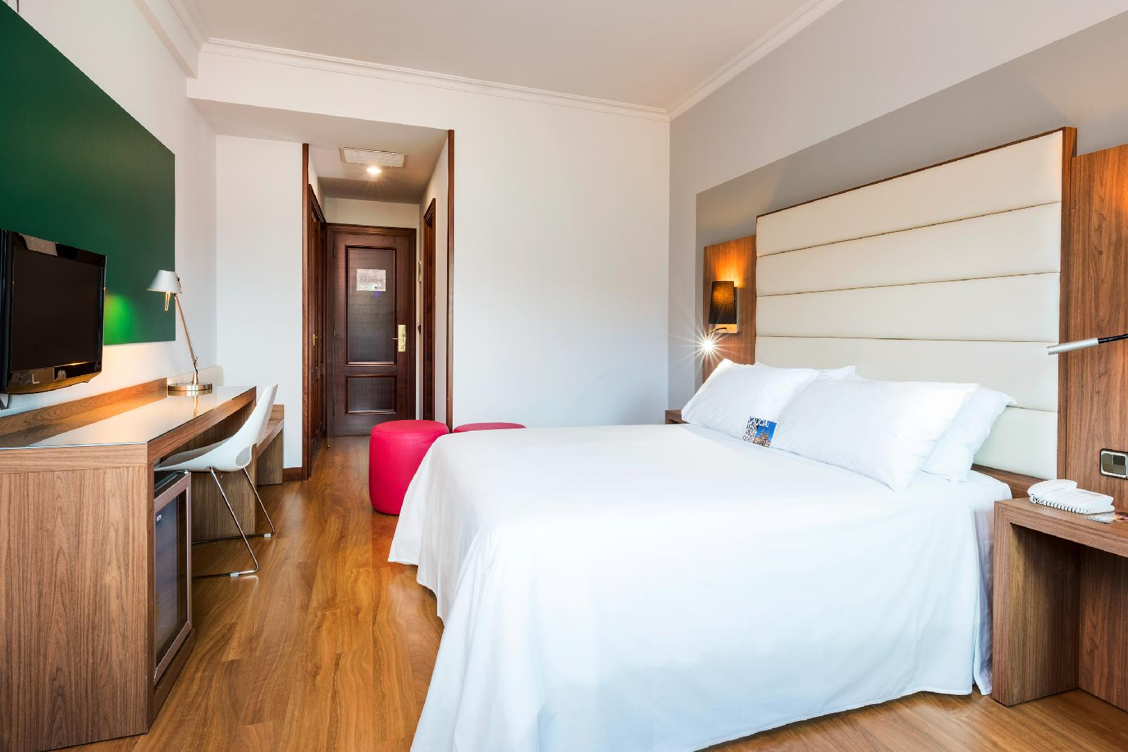 5. Tryp Santiago Hotel