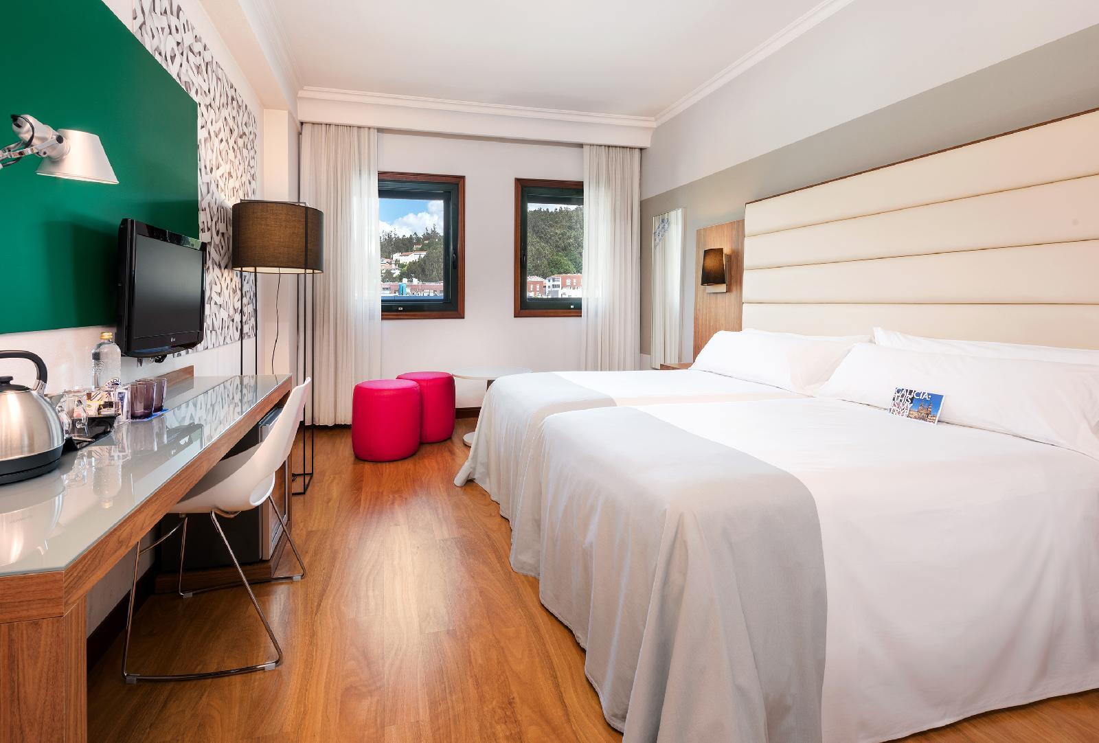 15. Tryp Santiago Hotel
