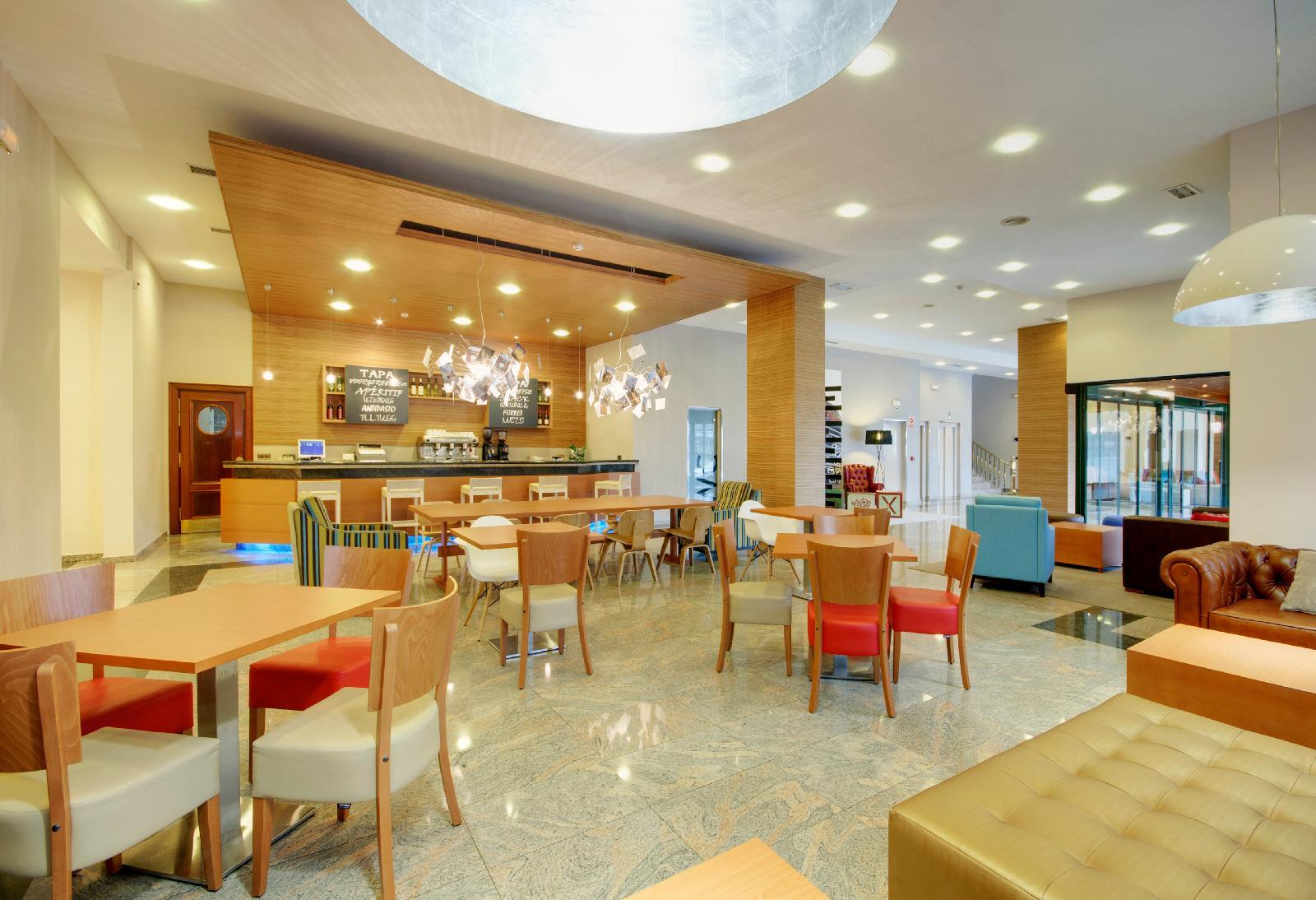 22. Tryp Santiago Hotel