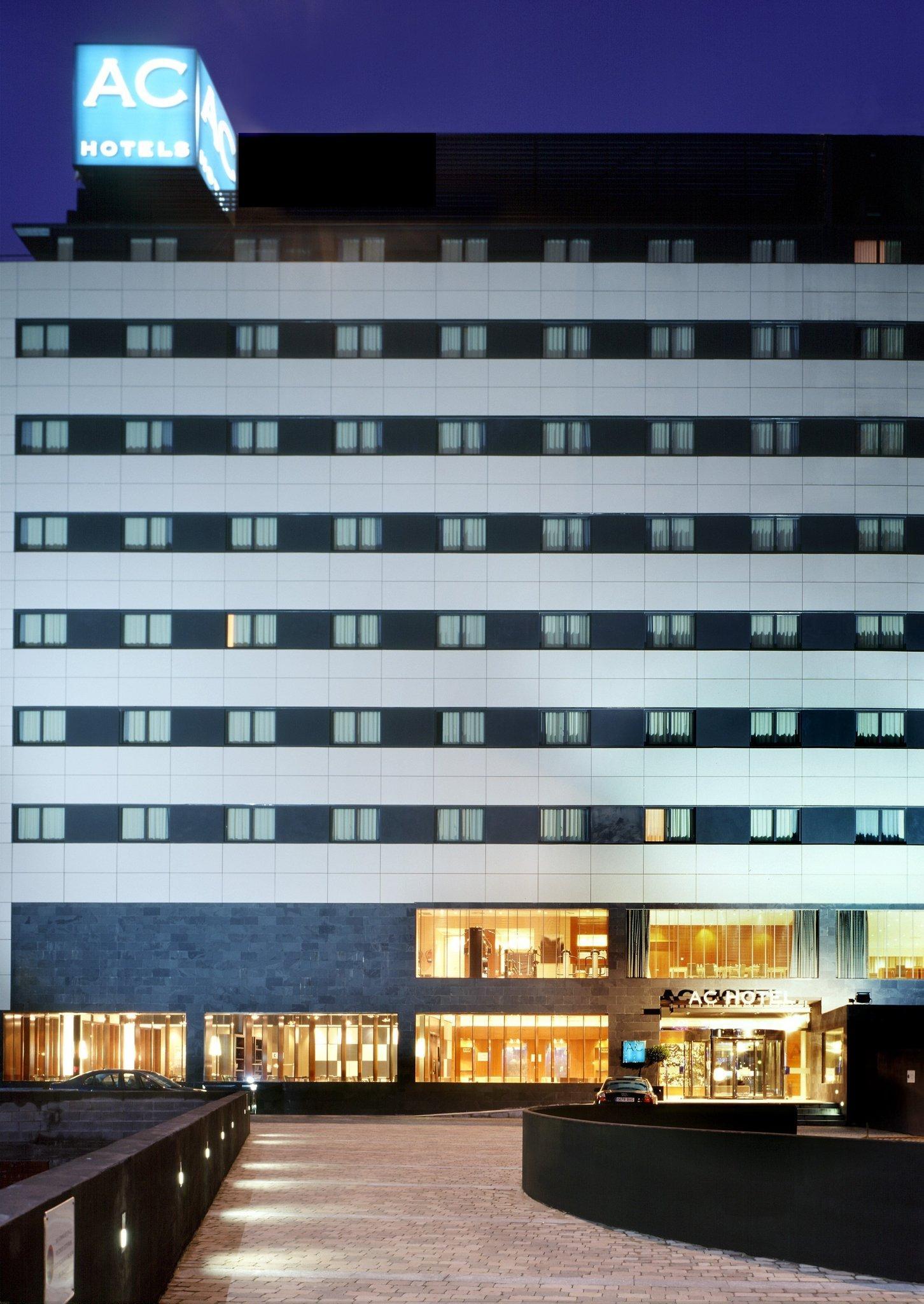 1. Ac Hotel A Coruna, A Marriott Lifestyle Hotel