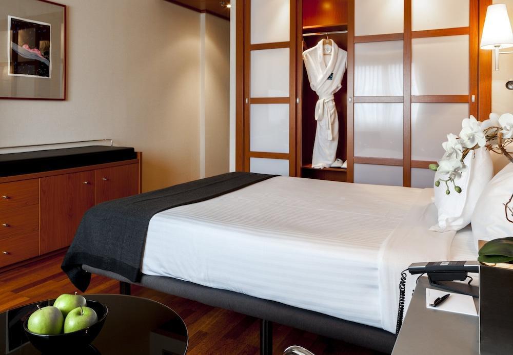 9. Ac Hotel A Coruna, A Marriott Lifestyle Hotel