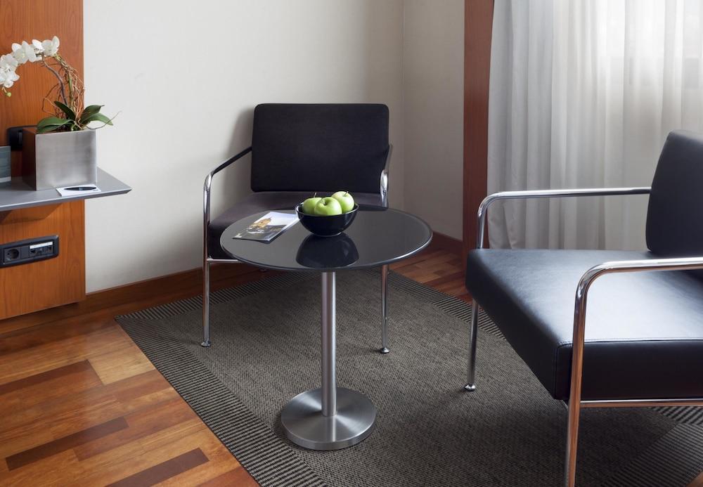 12. Ac Hotel A Coruna, A Marriott Lifestyle Hotel