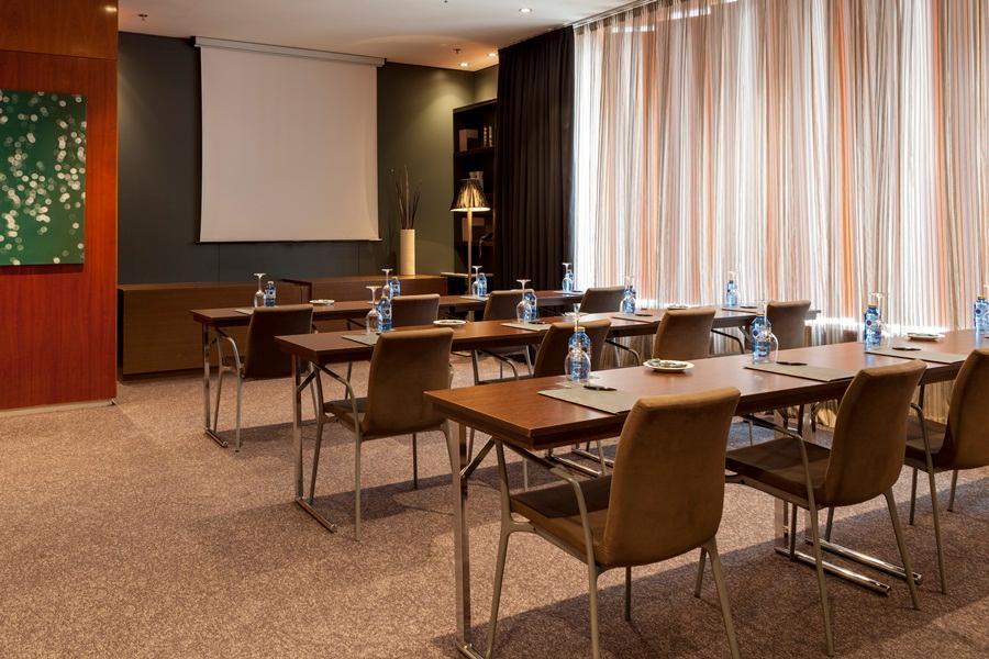 18. Ac Hotel A Coruna, A Marriott Lifestyle Hotel