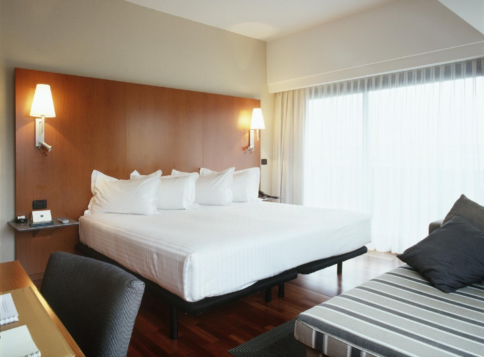 5. Ac Hotel A Coruna, A Marriott Lifestyle Hotel