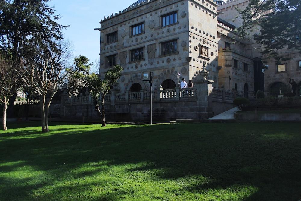 1. Hotel Pazo Los Escudos Spa & Beach