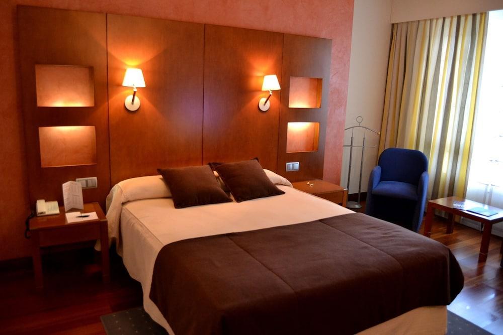 2. Hotel America Vigo