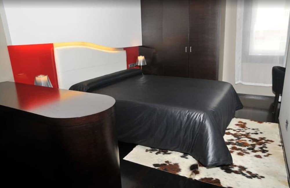 12. Hotel America Vigo
