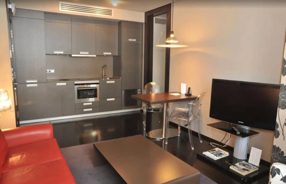 5. Maroa Hotel