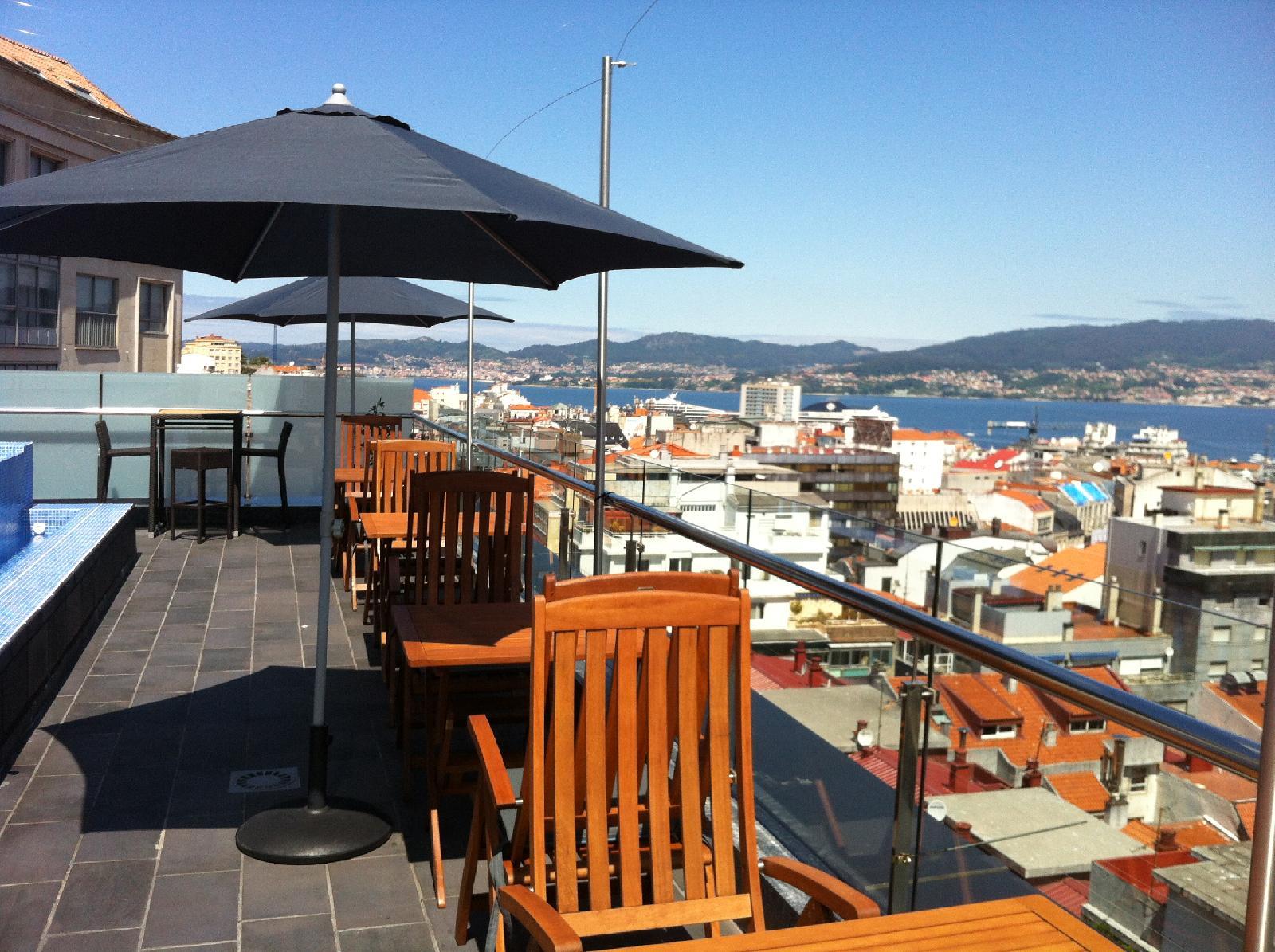 6. Hotel Axis Vigo