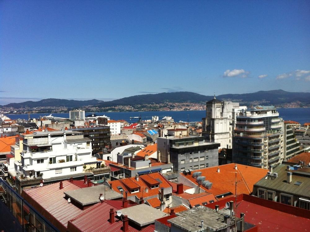 3. Hotel Axis Vigo