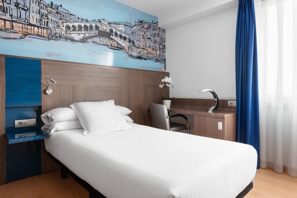 3. Hotel Blue Coruña