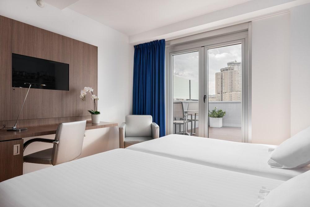 14. Hotel Blue Coruña